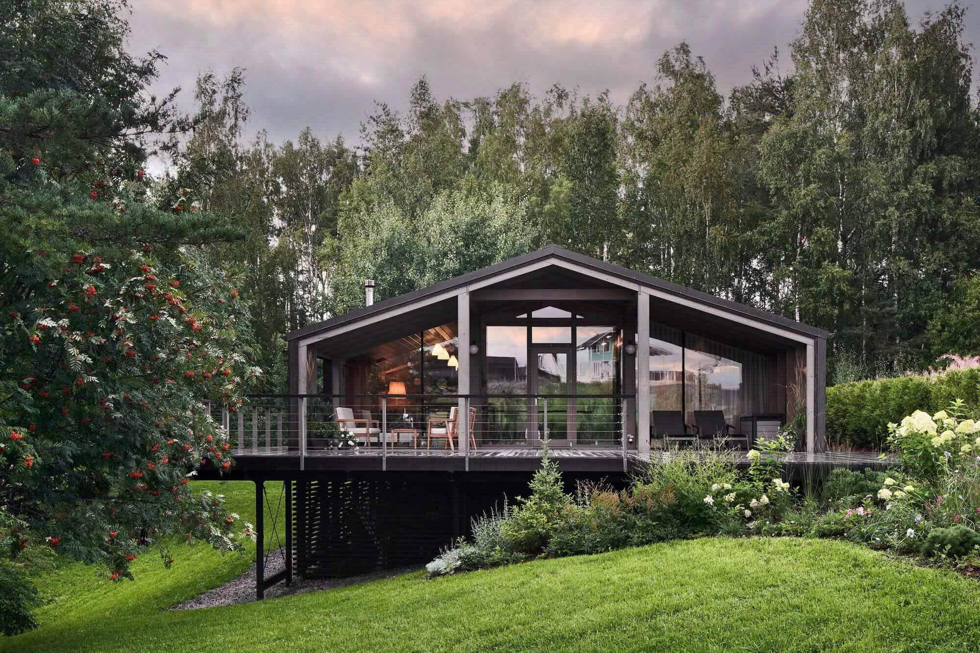 Модульный дом на склоне / БИО-архитекторы