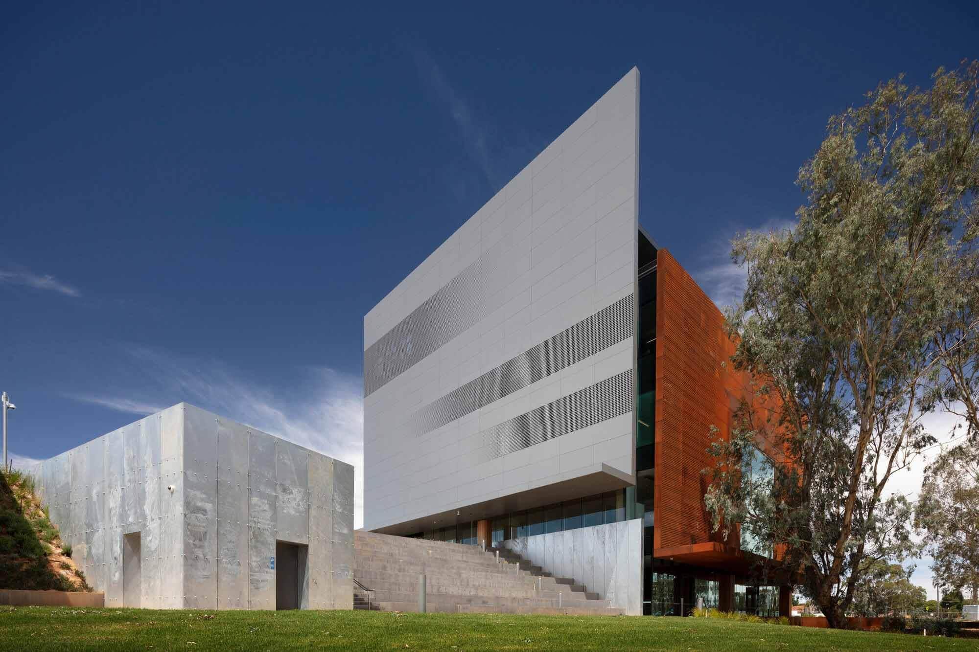 Художественный музей Шеппартона / Дентон Коркер Маршалл