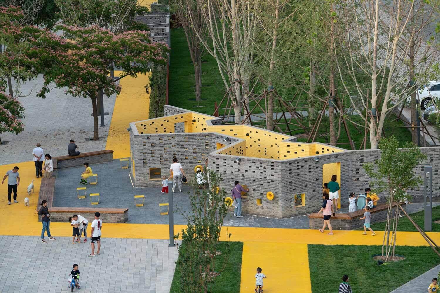 Развитие ненасильственных городов: 10 примеров дружественных общественных пространств