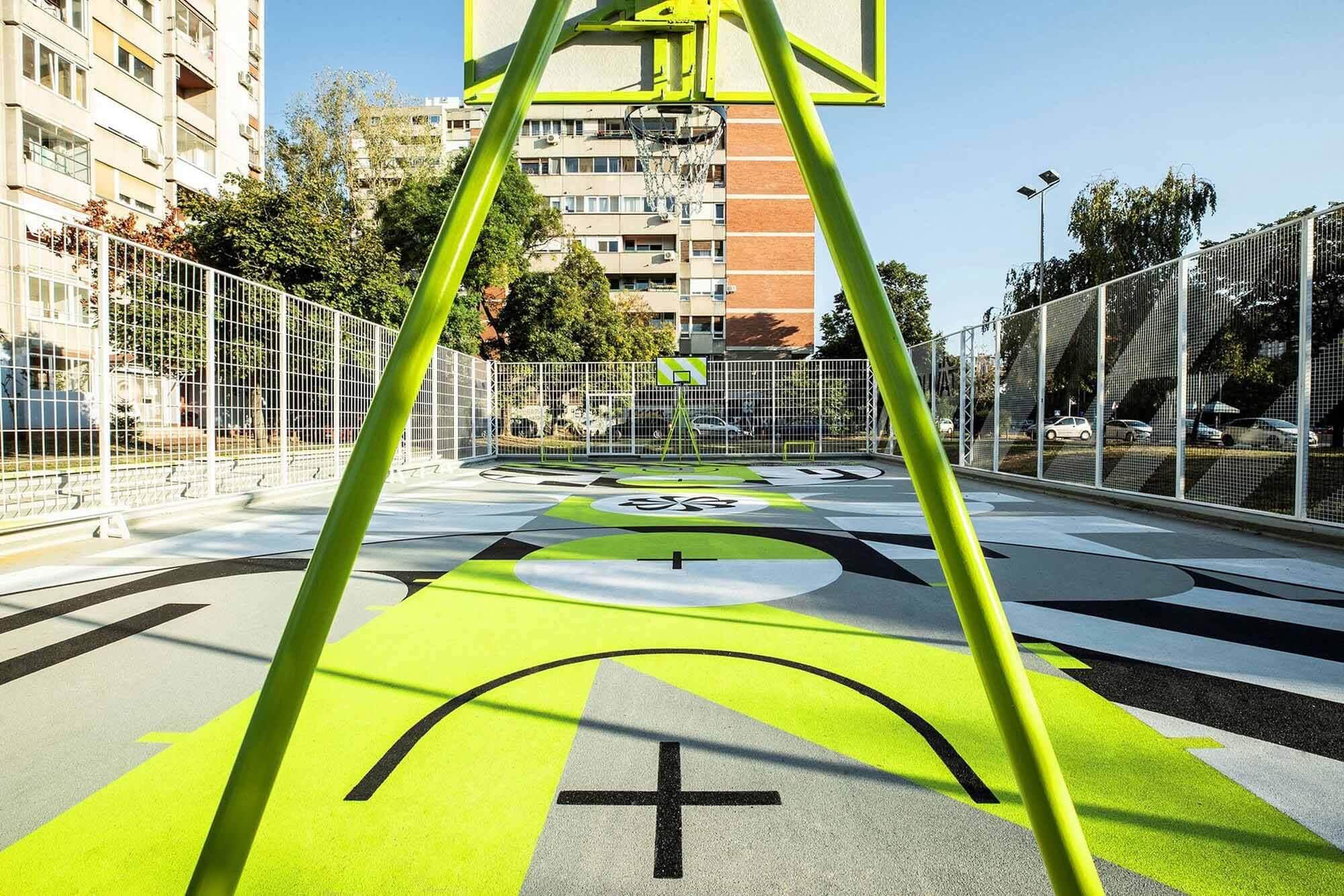 Новая баскетбольная площадка Nike в Белграде создана для езды на велосипеде