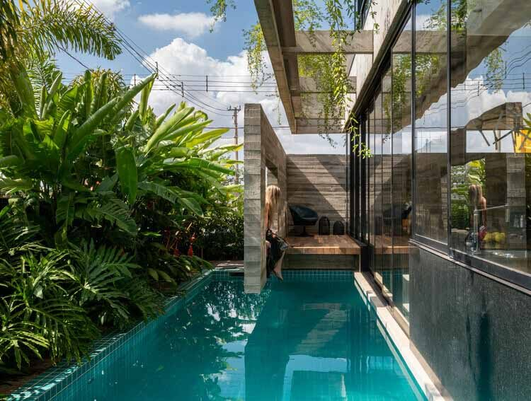 Дом в саду / Caio Persighini Arquitetura, © Favaro Jr.