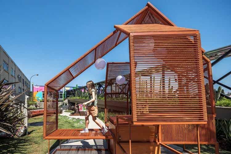 Монтаж дома / Sum Architecture, © Эдуардо Макариос