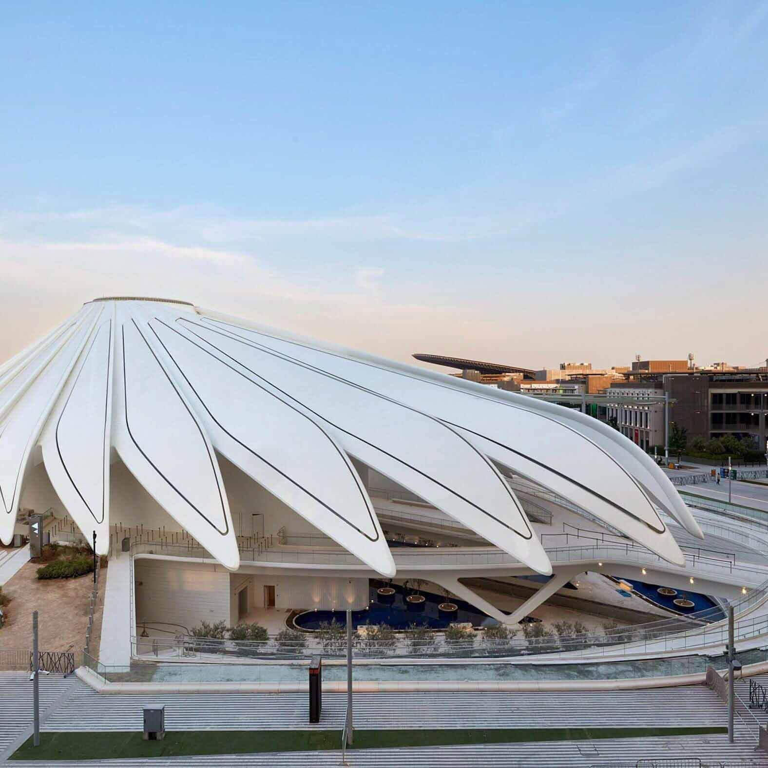 Сантьяго Калатрава открывает павильон ОАЭ на выставке Dubai Expo