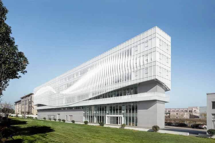 Штаб-квартира BSH / Greater Dog Architects, дневной обзор.  Изображение © Цинвэй Мэн, Илунь Се