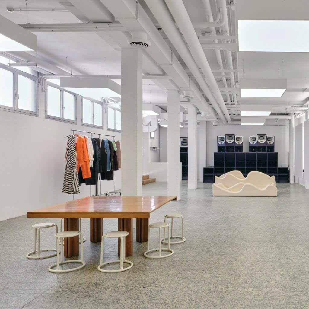 Sunnei превращает бывшую студию звукозаписи в новую штаб-квартиру в Милане